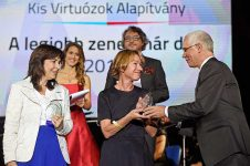 A zenetanárok kaptak díjat a Virtuózok gálakoncertjén