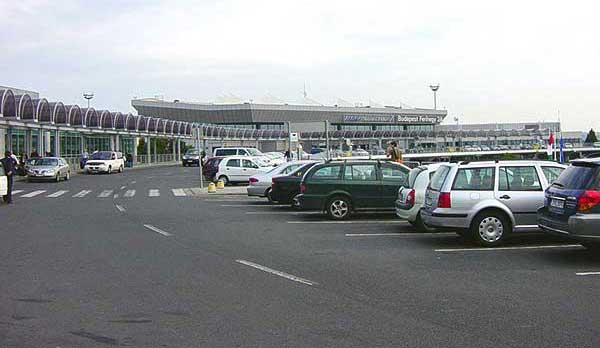 Újabb 670 parkolóhelyet nyit a főváros Airport júniusban