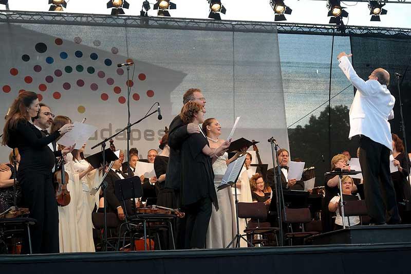 Nyári koncertekkel készül a Budapesti Fesztiválzenekar