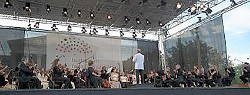 Költségmentes koncertekre várja a közönséget a fővárosi Fesztiválzenekar