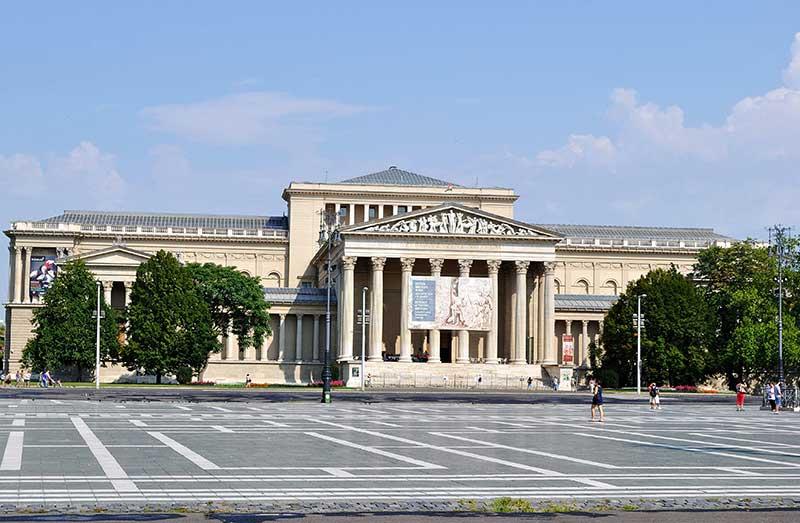Lakner László csaknem 40 művét adományozta a Szépművészeti Múzeumnak