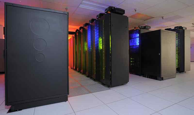 A jövő számítógépét és kvantuminternetét fejlesztik a Műegyetemen