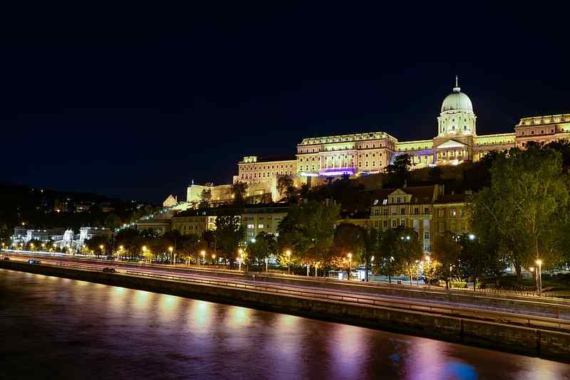 Havadtőy Sámuel készíti a Budavári Királyi kastély Szent István-termének installációját